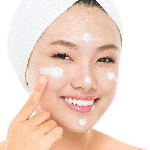 Cách chăm sóc da mặt buổi sáng