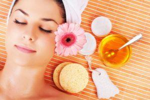 Cách điều trị mụn ẩn dưới da mặt