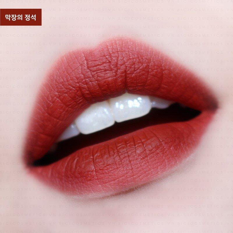 son môi màu đỏ đất