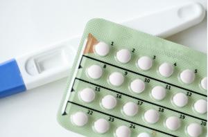 mụn nội tiết do lạm dụng thuốc tránh thai