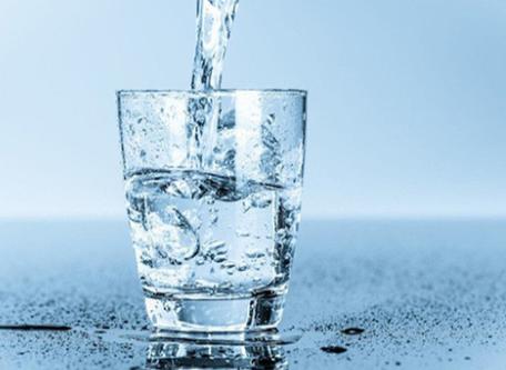 Bổ sung đầy đủ nước cho cơ thể