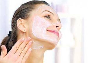 Chăm sóc vùng da quanh mắt và cổ