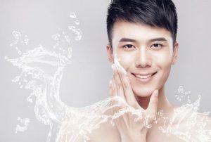 Rửa mặt với sữa rửa mặt dành cho da mụn
