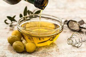 Dưỡng ẩm da mùa đông bằng dầu oliu