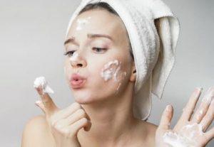Mách bạn chọn sữa rửa mặt phù hợp với làn da thường