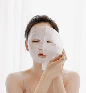 Da sau mụn nên chăm sóc như thế nào là đắp mặt nạ